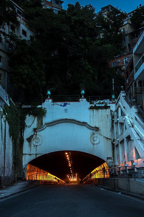 Túnel Velho, ligando Botafogo a Copacabana desde 1892