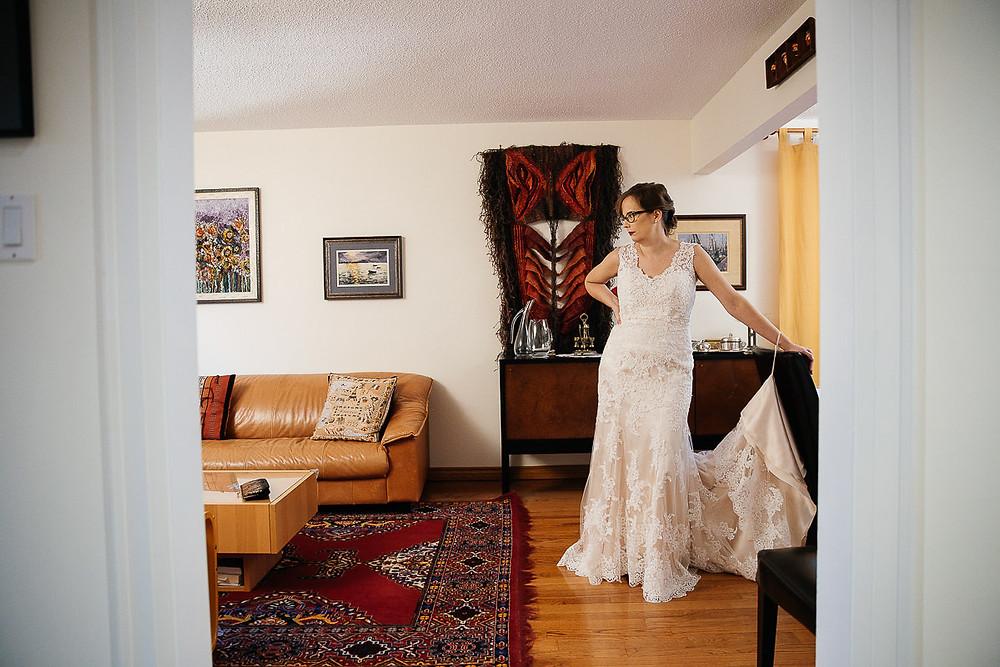 bride lace wedding dress