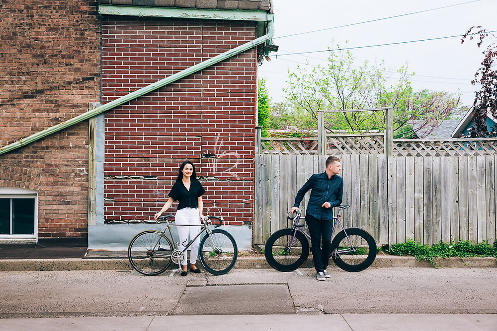 engagemnt photos with bikes