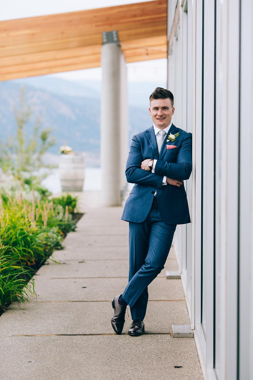 contemporary wedding photographer okangan