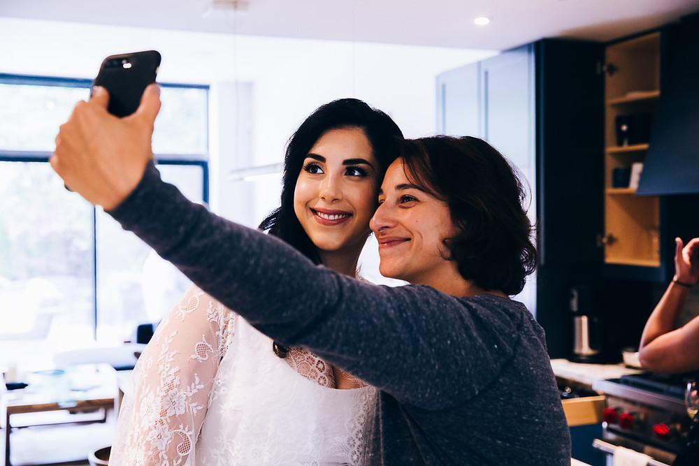 wedding ay selfies