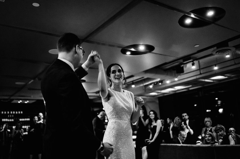 bride ad groom first dance