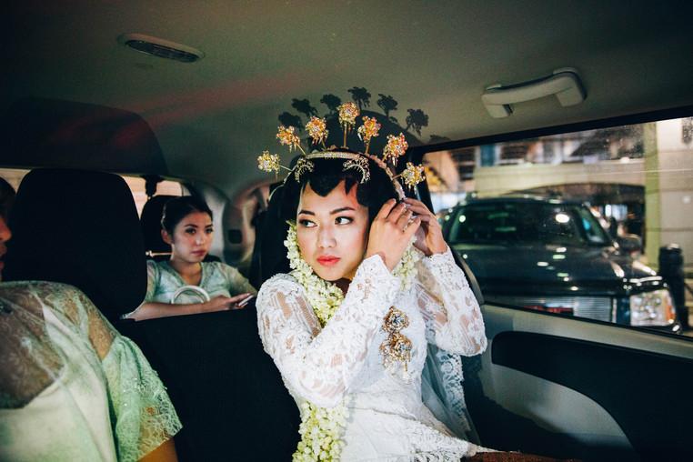 Photojournalistic wedding photographer in Canada