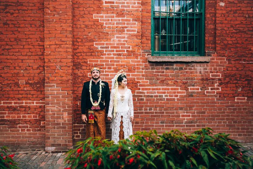 Distillery district Torontio outdoor wedding