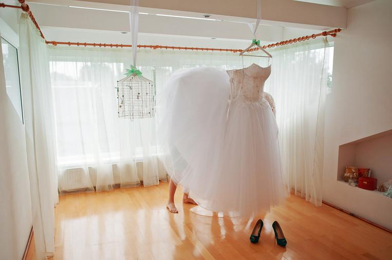 Canadian documentary wedding photographer Christine Love Hewitt