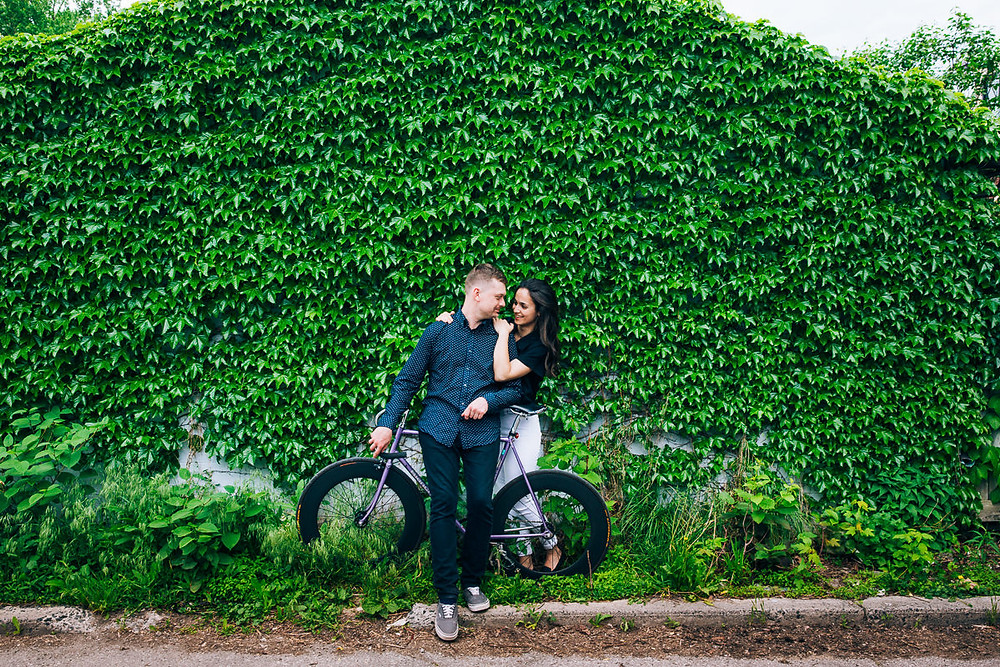 toronto engagemnt photography with bicycles