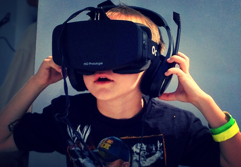 Boy_wearing_Oculus_Rift_HMD_edited.jpg