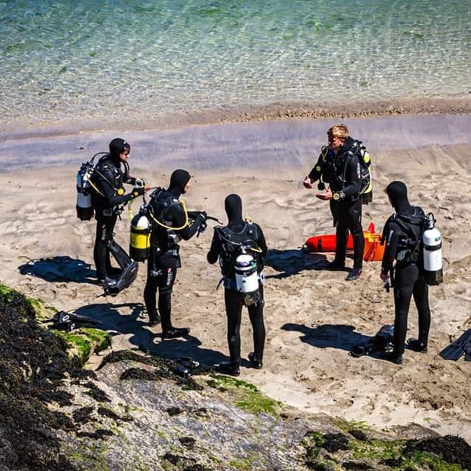 Trying scuba diving with the oceans of Discovery Discover Scuba Experience