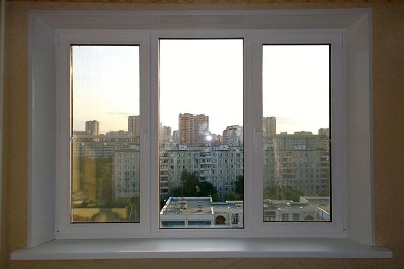 Теплые окна ПВХ в комнате