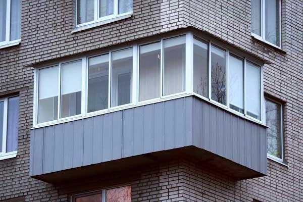 Крыша на п-образном балконе