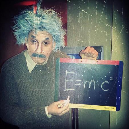 Albert Einstein2.jpg