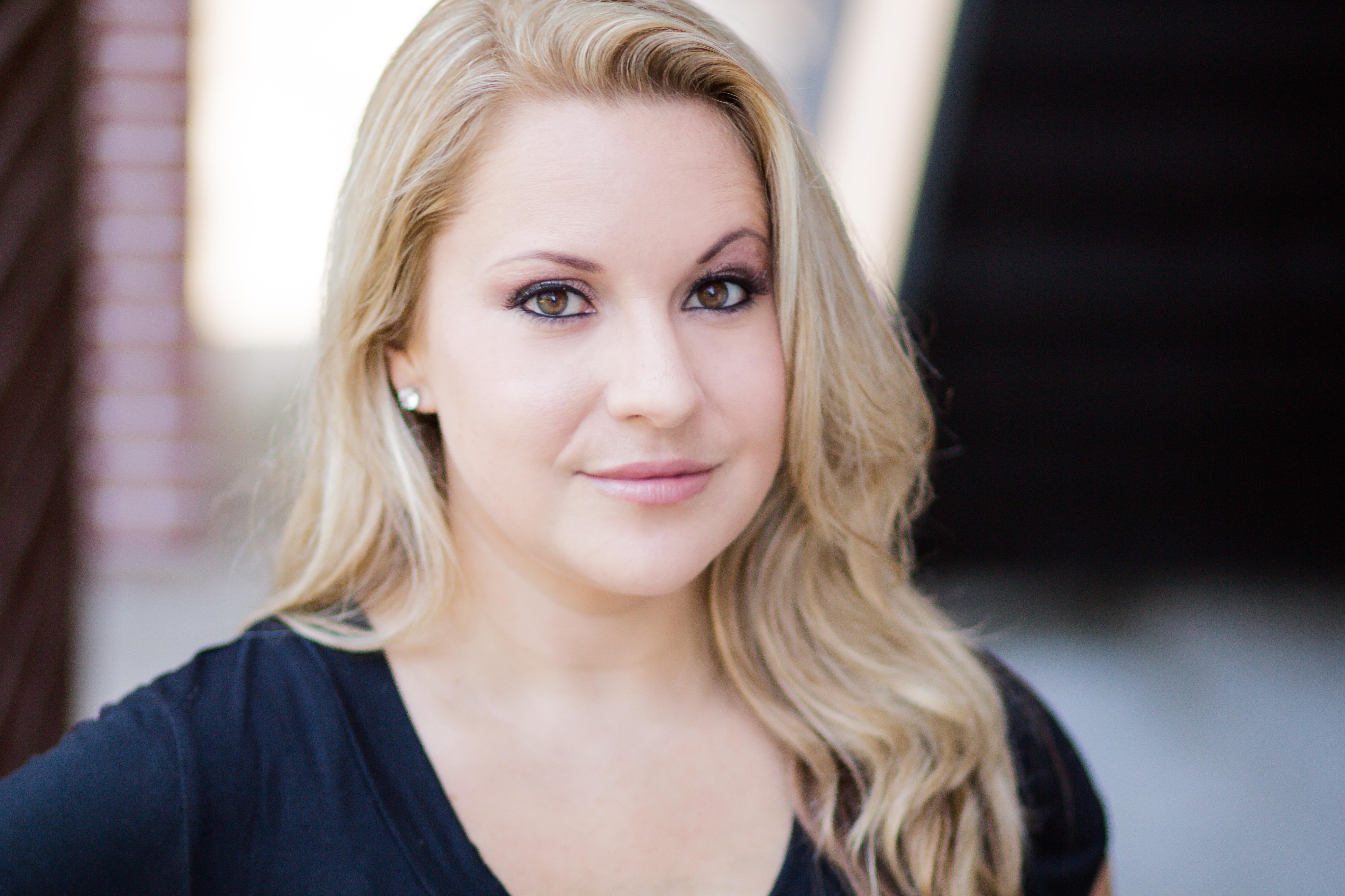 Actress: Amanda