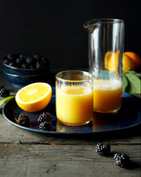 Food stylist for beverages