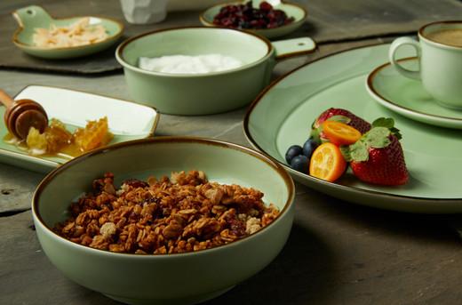 Granola food stylist   baby food photography