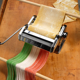 food styling Italian pasta