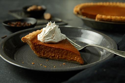 food styling pumpkin pie