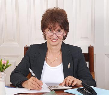 Kerek Judit könyvelő - Interadat Kft. - számvitel és controlling Debrecen