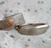 ringen witgoud, met schelpjes