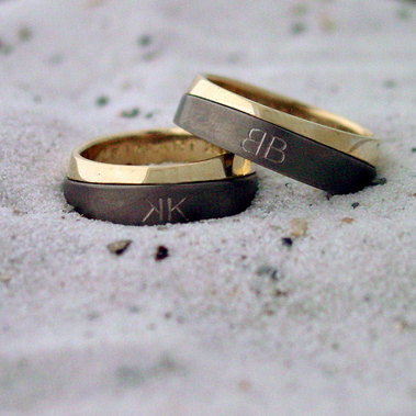 ringen met initialen