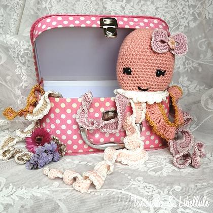 "Sweet Octopus Crochet ""The Romantic Version"""