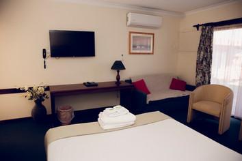 Spa Room_6.JPG