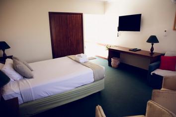 Spa Room_1.JPG