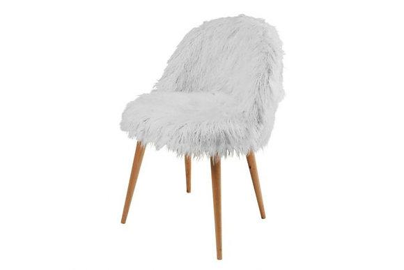 Chaise en fausse fourrure blanche