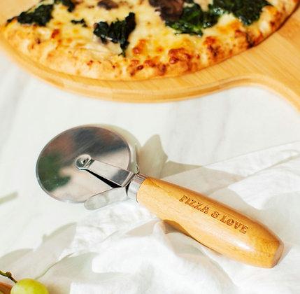 Découpe pizza en bambou gravé (précommande)