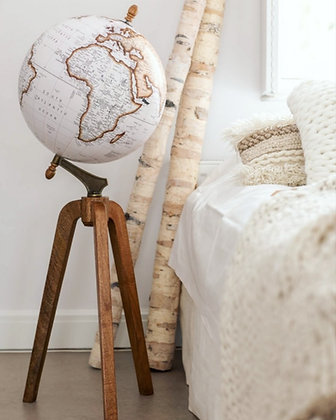 Grand globe sur pieds