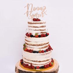 Naked Cake mit Früchten