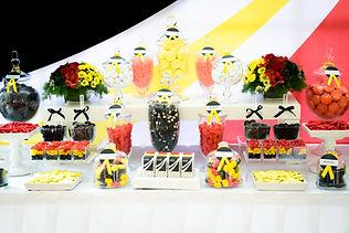 Candybar Desserttable Firmenevent Messeauftritt Gastgeschenke Dekorationsverleih Macarons Sweettable Hochzeit Düsseldorf Köln Kaarst Neuss Willich Bochum Witten Essen Oberhausen Ruhrgebiet NRW