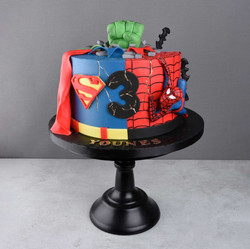 Superhero Torte