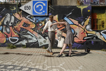 mind crossing walking act - Vienna
