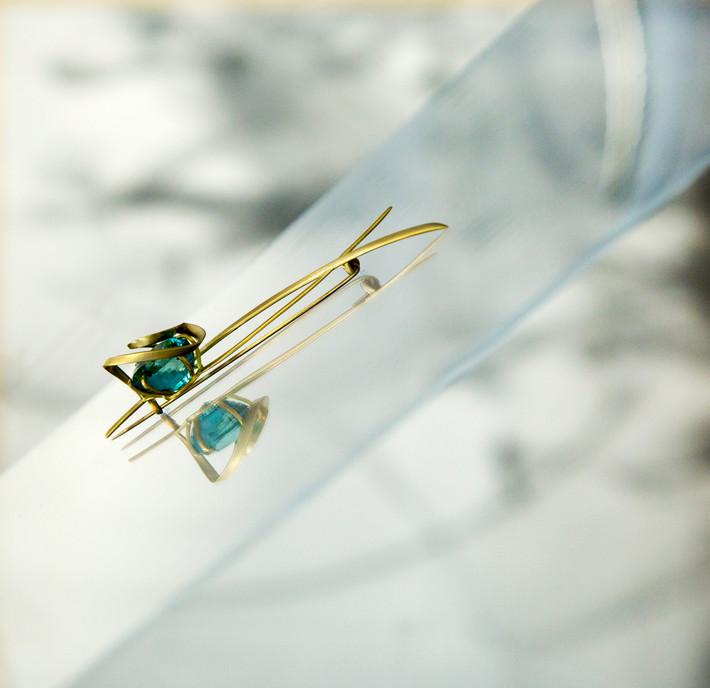 The Leytonstone Brooch, 18ct gold, aquamarine