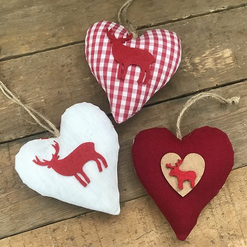 Red & White Reindeer 2020 hearts