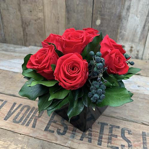 Red Classic - black vase