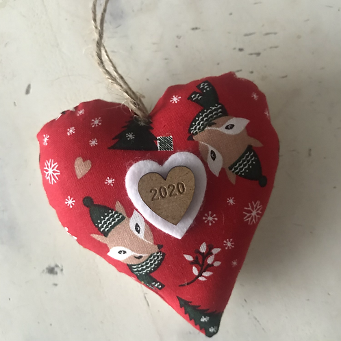Foxy red Christmas hearts