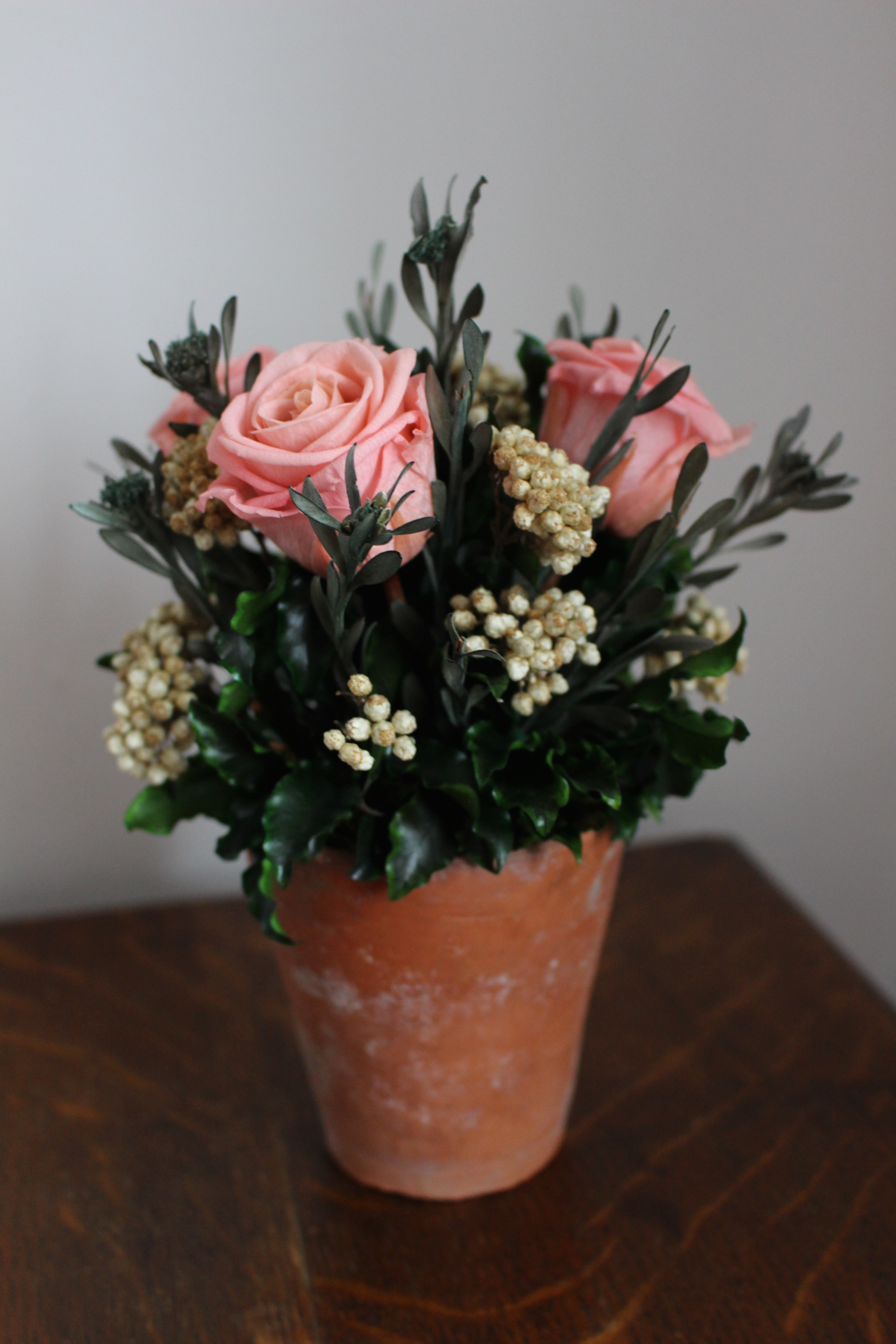 Pale pink/cream terracotta