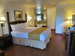 bed-room-1-jacuzzi.jpg