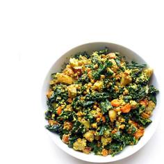 salát s kadeřávkem a pečenou kořenovou zeleninou