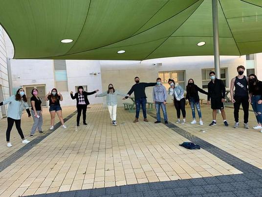 """בית מארח באהבה🏡 שמחים ונרגשים על הבחירה למקם את סניף """"כנפיים של קרמבו"""" של מועצת דרום השרון - אצלנו! הצוות והחניכים הם תלמידי בתי הספר עמיאסף וירקון.  איזה כיף. ברוכים הבאים. תהנו"""