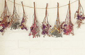 dried flowers hanging on the wall.It dec