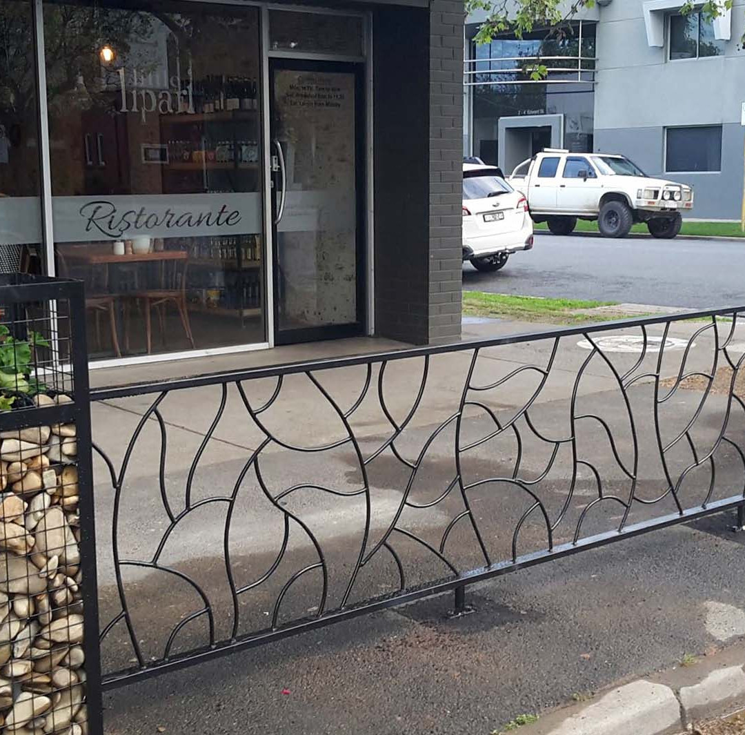 Outdoor dining barrier