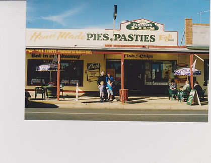 Pyrenees Pies & Family early years 001.j