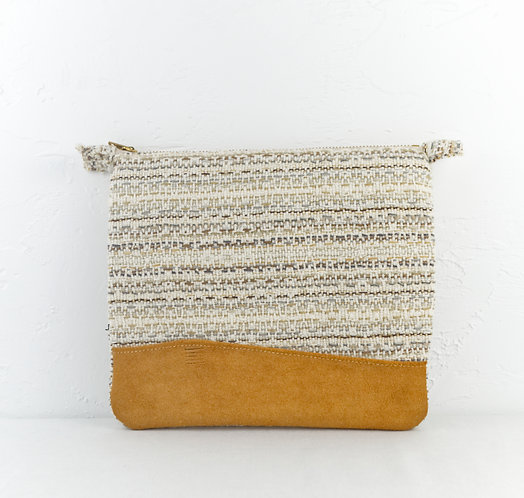 CLUTCH | SAND wholesale