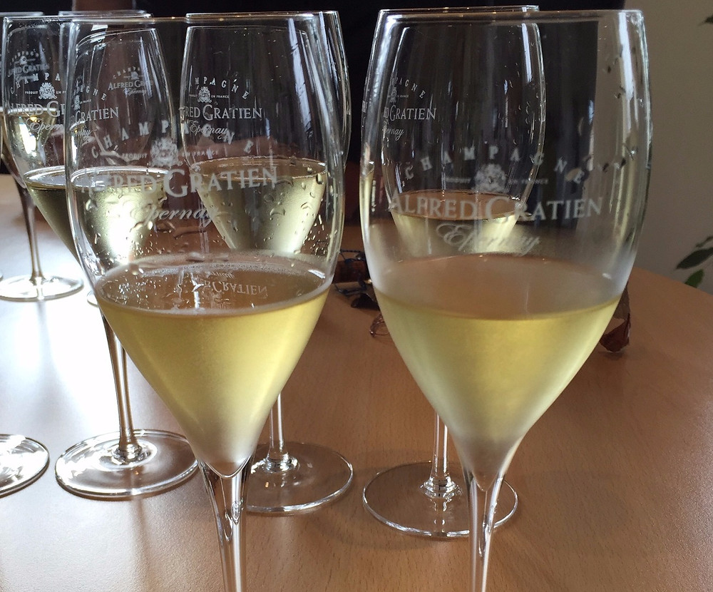 Same Champagne aged under different closures
