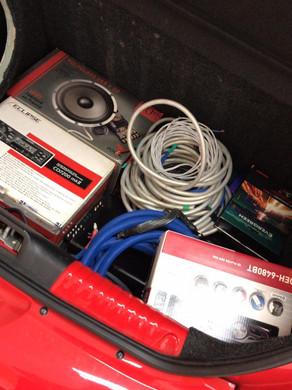 Gol G5 instalação de som de qualidade kit 2 via focal, amplificador focal 4 canais, e uma alpine mo