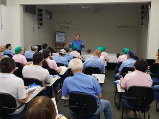 Reunião com Funcionários da Empresa De Fiação de Seda Bratac em Bastos.