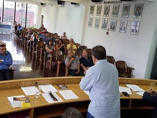 Reunião dos Sindicatos Têxteis do Estado de São Paulo.