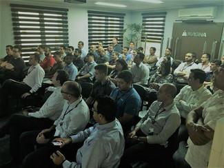 Assembleia com os trabalhadores da Empresa Magna do Brasil.